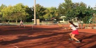 Tenis şenliği sona eriyor