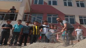 Zonguldak'ta heyelan oldu, mezarlar zarar gördü