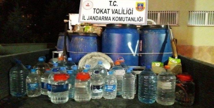 Tokat'ta 942 litre kaçak içki ele geçirildi