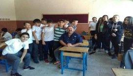 Usta oyuncu öğrencilerle buluştu