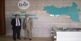 GAP Başkanı, DAP'ı ziyaret etti
