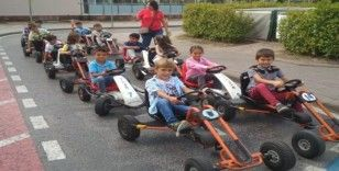 Geleceğin bilinçli sürücüleri Serdivan trafik park'ta eğitiliyor