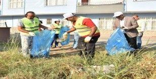 Başkan Yılmaz, personeliyle çevre temizliği yaptı, sağlık için yürüdü