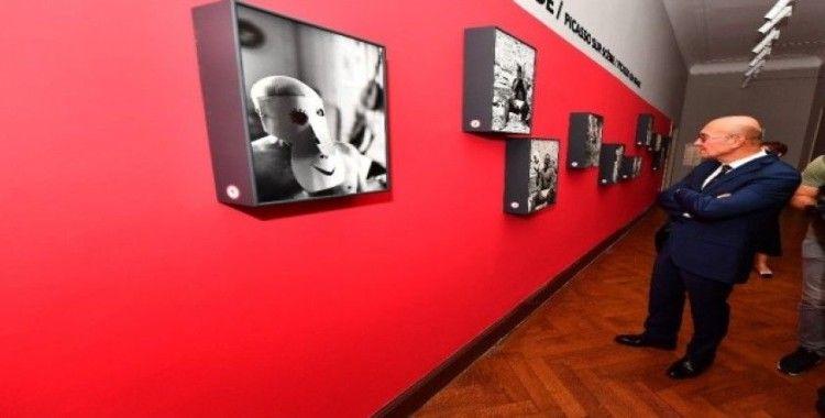 İzmir'de ilk kez bir Picasso sergisi açıldı
