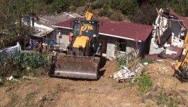 İstanbul'da devlet ormanlarına yapılan kaçak yapıların yıkımına başlandı