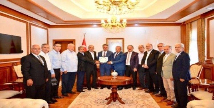 Vali Baruş'a, Muhtarlar Derneği Başkanlarından ziyaret