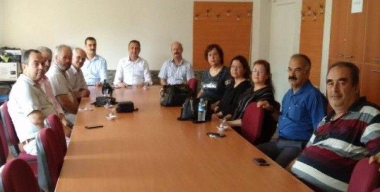 Alaşehir'de emekli öğretmenlere 'teşekkür' töreni