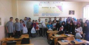 Hisarcık'ta 112 öğrenciye kırtasiye malzemesi yardımı
