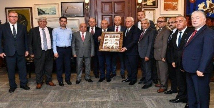 Başkan Soyer'e esnaf teşekkürü