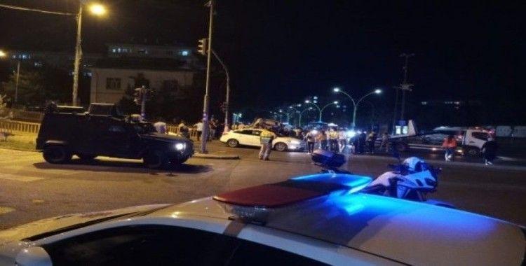 Diyarbakır'da sivil polis otosu kaza yaptı: 3'ü polis 5 yaralı