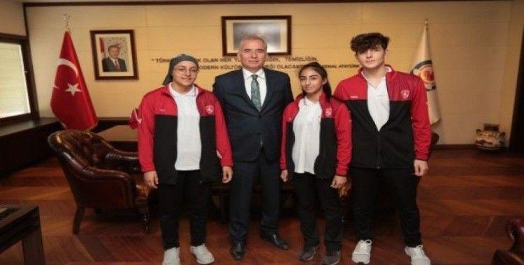 Denizlili judocuları Balkan Şampiyonası'na Başkan Zolan uğurladı