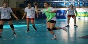 (Özel Haber) A Milli Kadın Hentbol Takımı, Fransa ve Hırvatistan maçı için kampa girdi