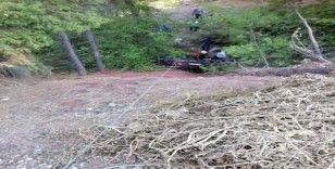 Denizli'de arabasıyla şarampole yuvarlanan öğretmen yaralandı