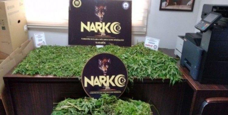 Karabük'te 4 ilçede uyuşturucu operasyonu: 43 kişiden 7'si tutuklandı