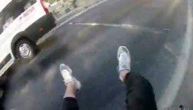 (Özel) İstanbul'da motosikletli gencin metrelerce sürüklendiği kaza kamerada