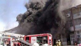 Başakşehir'de plastik ham madde fabrikasında yangın