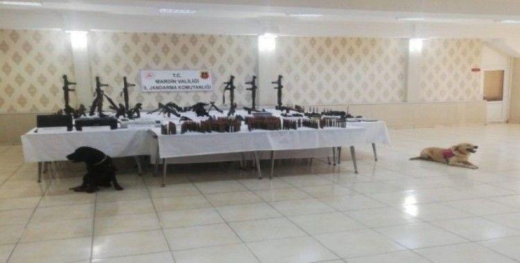 Mardin'de kalem şeklinde 8 kimyasal fünye ele geçirildi