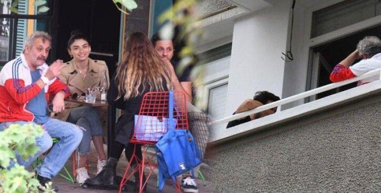 Onur Ünlü, kafeden balkona çıktı
