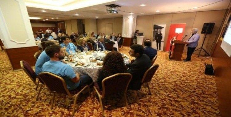 Başkan Turgay Erdem gençlerle deneyimlerini paylaştı