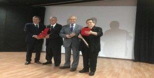 Şadan Gökovalı'ya 'Türkçeye Emek' ödülü verildi