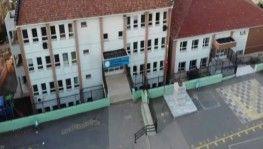 Eğitime ara verilerek boşaltılan okul havadan görüntülendi