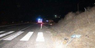 Kaçak göçmenleri taşıyan minibüs kaza yaptı: 1 ölü, 4'ü ağır 12 kişi yaralı