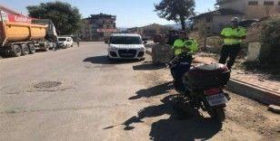 Elektrikli motosiklet ile kaza yapan sürücü yaralandı