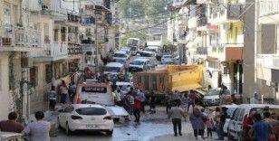 Freni patlayan kamyon mahalleyi savaş alanına çevirdi