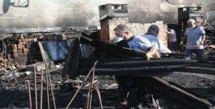 Kartal Belediyesinden yangında zarar gören binaya müdahale
