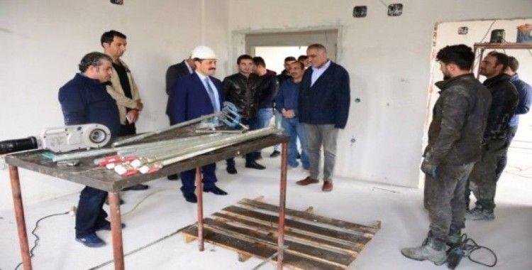 Vali Mustafa Masatlı, yapımı devam eden kamuya ait inşaatlarda incelemede bulundu