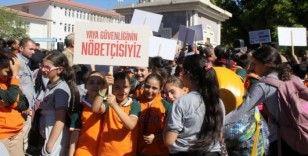Erzincan'da 'Yaya Geçidi Nöbeti' farkındalık etkinliği