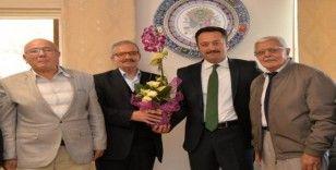 Huzurevi sakinlerinden Vali Şentürk'e ziyaret