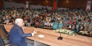 HRÜ, modacı Faruk Saraç'ı ağırladı