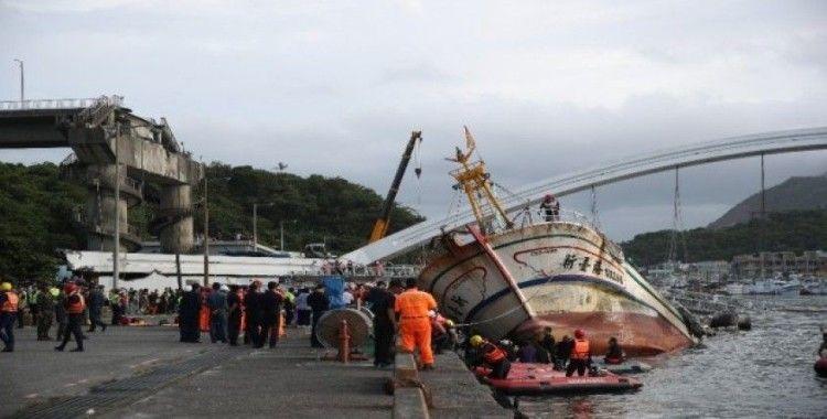 Tayvan'da 4 kişinin cesedine ulaşıldı
