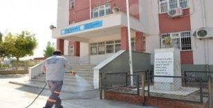 Mersin'de okullar sürekli ilaçlanıyor