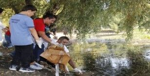 Öğrenciler Kırkgöz Gölü'nde temizlik yaptı
