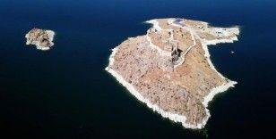 Tarihi Pertek Kalesi turistlerin uğrak yeri olacak