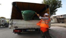 Mahkumlar tonlarca çöp topladı