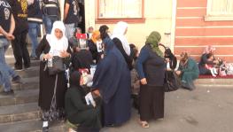HDP önünde acılı bekleyiş sürüyor