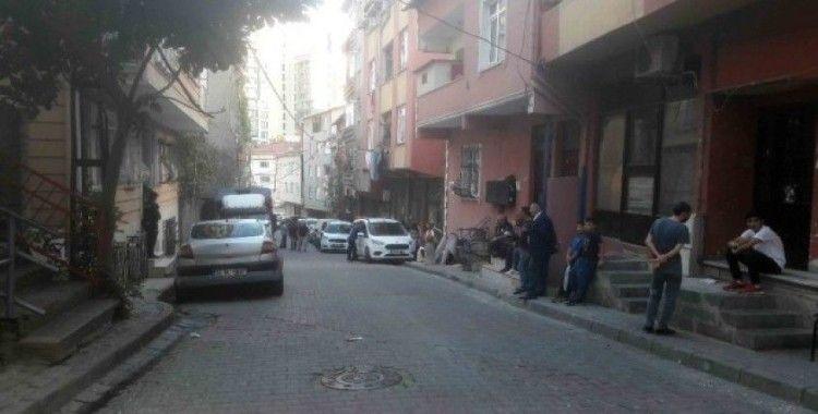 Kağıthane'de bir polis silahını temizlerken meslektaşını vurdu