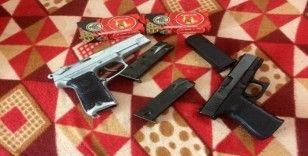 Başkent'te suç örgütlerine silah temin eden çete çökertildi