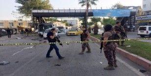 Servis aracının geldiğini görüp uzaktan kumanda ile bombayı patlattı