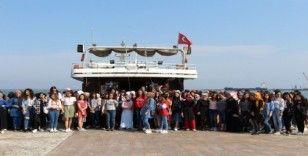 Üniversite öğrencileri gemiyle Samsun'u gezdi