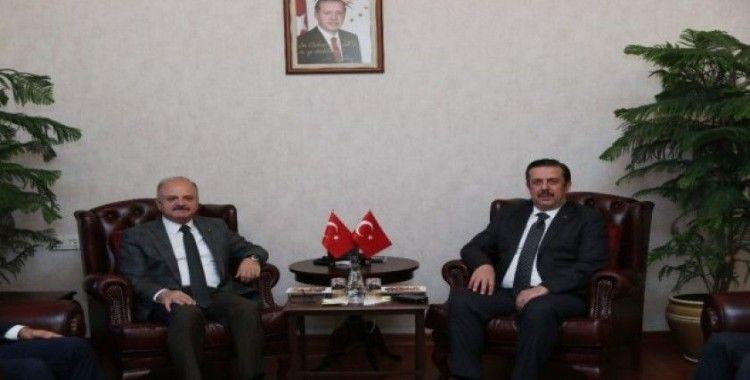 Vali Çakacak, Emniyet Genel Müdür Yardımcısı Holoğlu'nu kabul etti