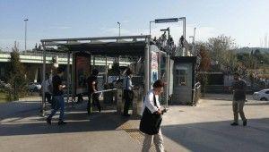 Altunizade metrobüs durağındaki çözüm şaşkına çevirdi