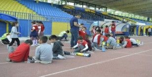Ağrı'da minik öğrenciler Dünya Yürüyüş Günü etkinliğinde eğlendi