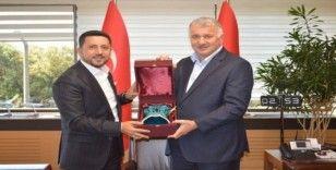 Belediye Başkanı Arı, THY Genel Müdürü Bilal Ekşi'yi ziyaret etti