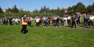 Tazelenme Üniversitesi öğrencileri sabah sporunda