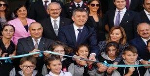 Milli Eğitim Bakanı Selçuk, okul açılışına katıldı
