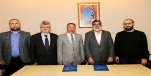 AİÇÜ ile Başakşehir Akademisi İlham Vakfı Arasında İşbirliği Protokolü İmzalandı